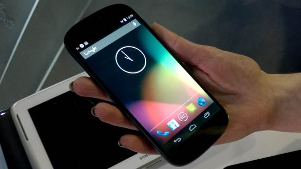 Propao ruski Yotaphone telefon - bankrot!
