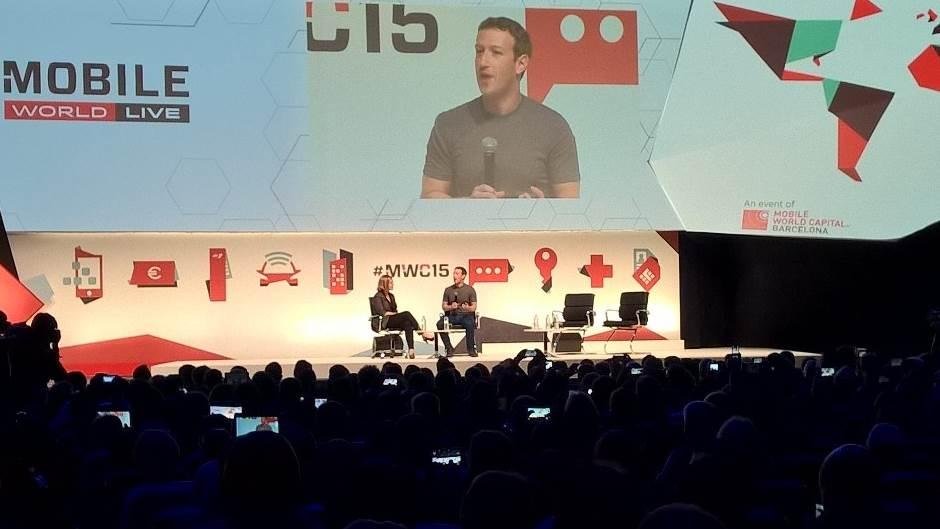 Cukerberg: Facebook je u ratu, mediji pišu s**nja!
