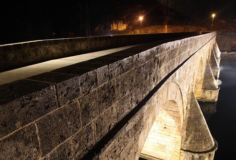 most na drini, na drini ćuprija, osvetljen most na drini, višegrad, visegrad, na drini cuprija