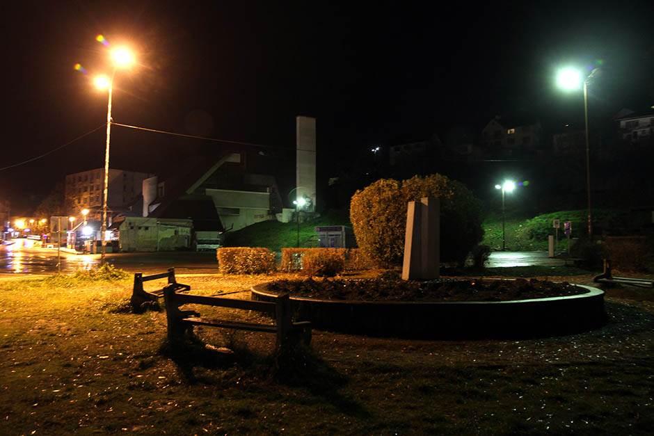 Zašto je Andrićeva na Drini ćuprija u mraku?