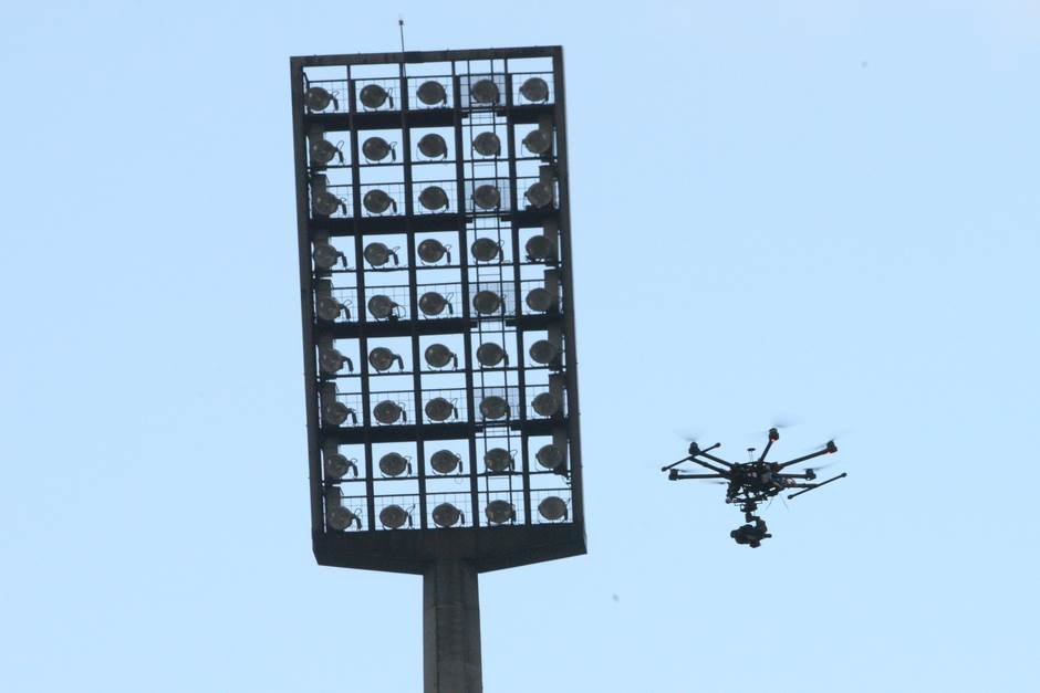 marakana stadion zvezda reflektor dron sijalice zvezda