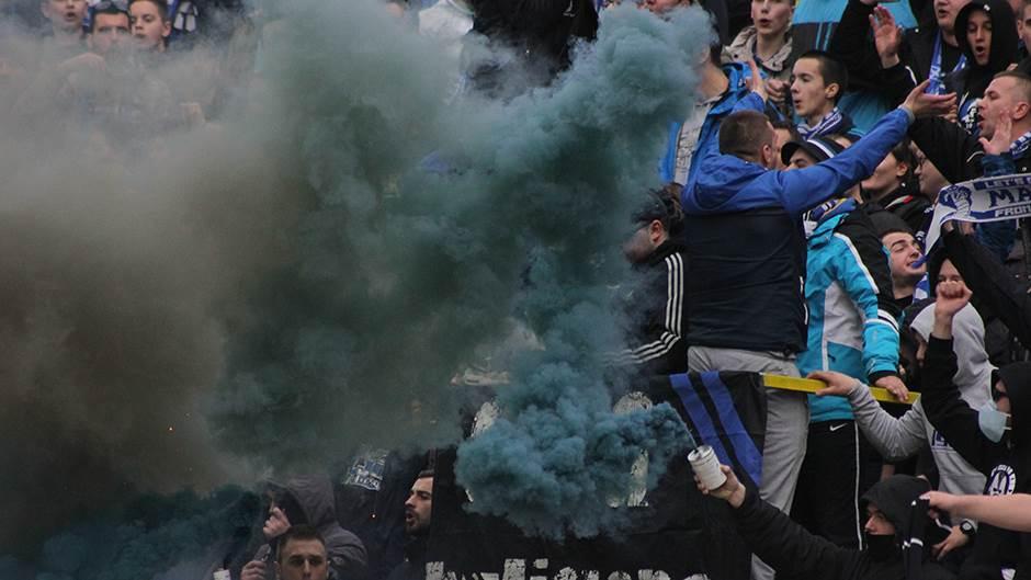 Navijači FK Željezničar, bakljada, Manijaci