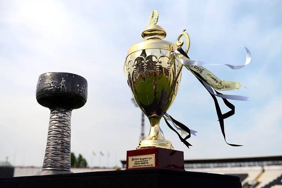 titula, trofej šampiona, šampionski trofej, superliga, superligaški trofej