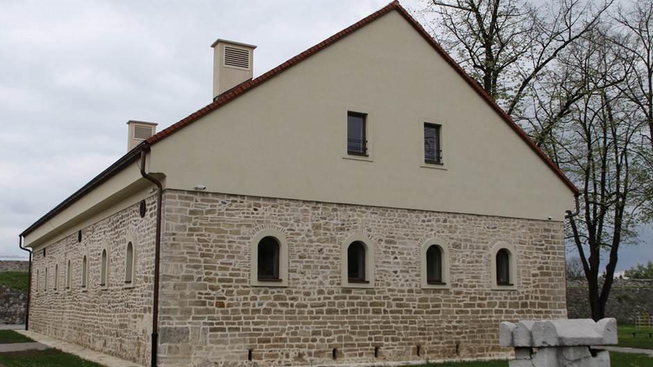 kamena kuća, kastel