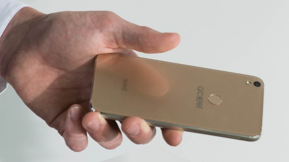 Telefon bez plastike (FOTO, VIDEO)