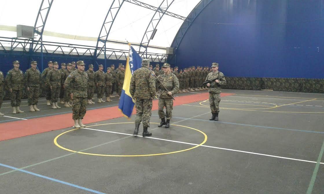 vojska, oružane
