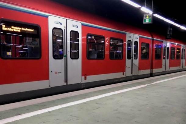 metro voz železnica vagoni vozovi