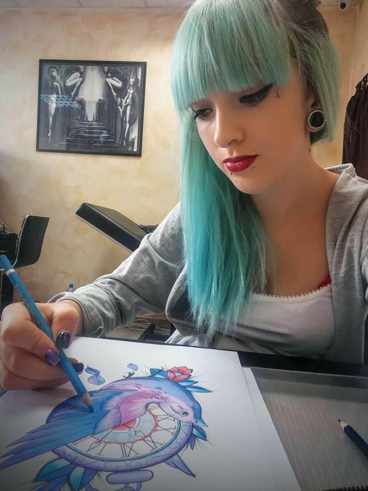 Ona tetovira Banjalučane (FOTO)