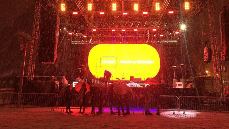 Nova godina, Trg Krajine, koncert, Bijelo dugme, m:tel