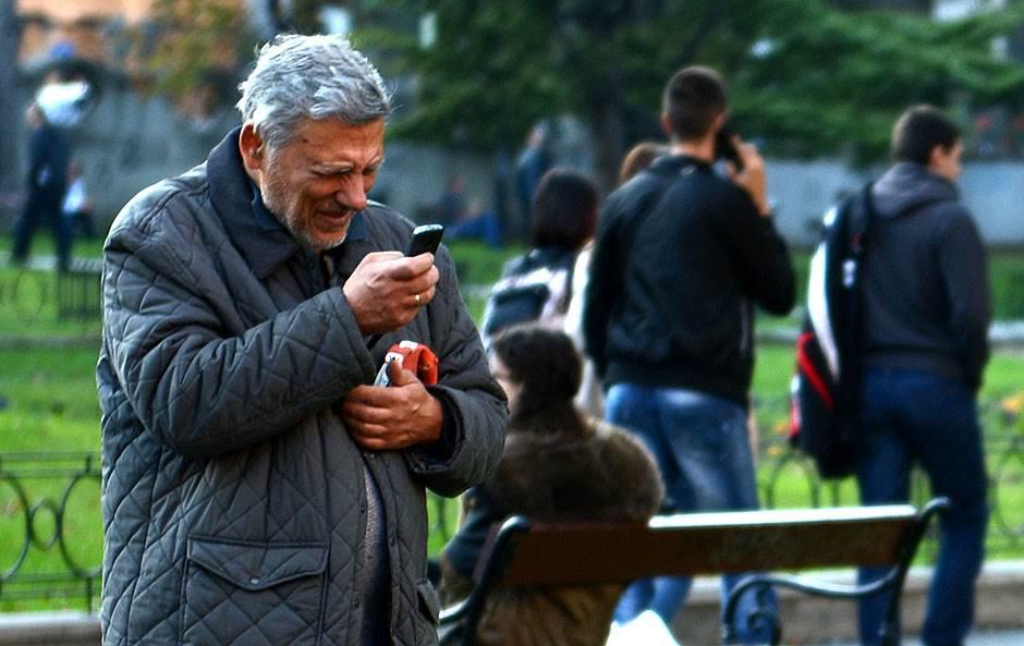 Za šta vi najviše koristite mobilni telefon? (ANKETA)