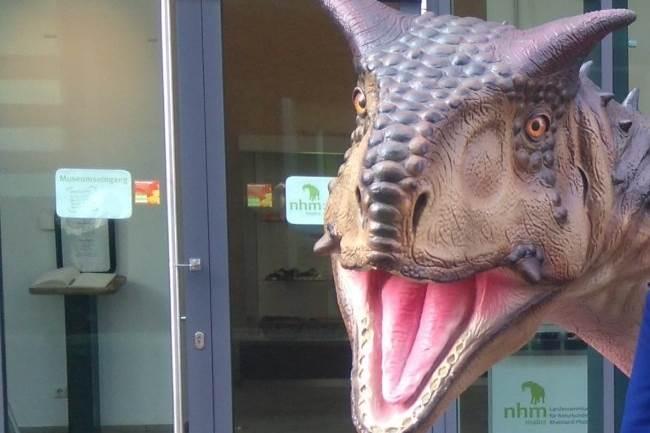 dinosaurus dino dinosaurusi