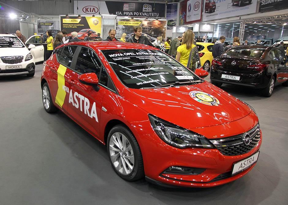 Opel Astra, sajam automobila, car show, sajam automobila 2016, sajam auto beograd