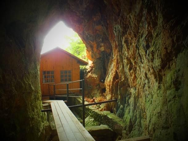 Titova pećina - Drvar