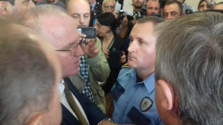 Dragan Čavić policija skupština