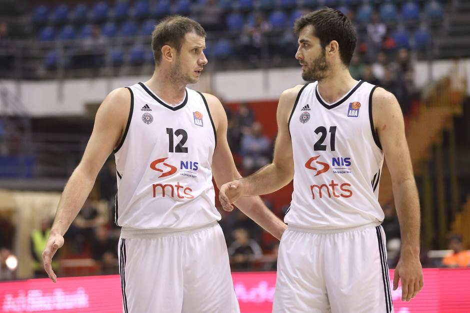 Poraz Partizana, igrali Novica i Čakarević