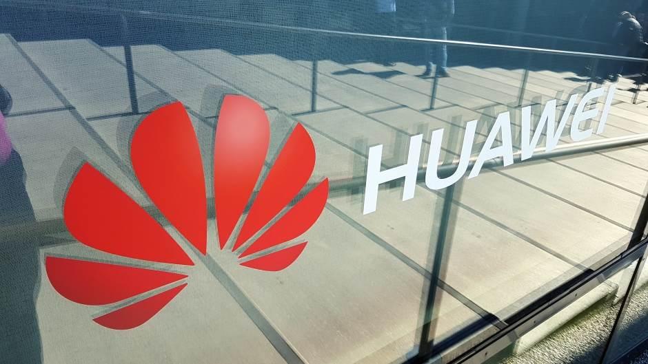 Auuh, Huawei, zamalo! (FOTO)