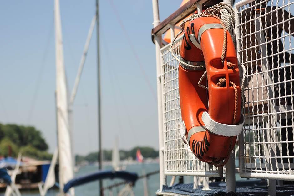 jedrilice, jedrenje, regata, sava, jedrilica, brod, spasavanje, obruč za spasavanje,