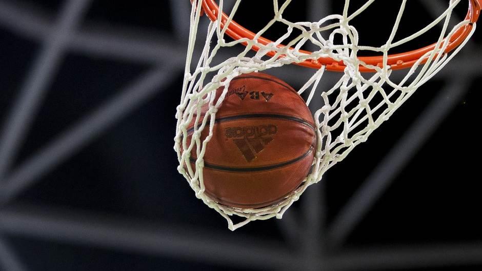 aba liga pokrivalica lopta mrežica koš košarka