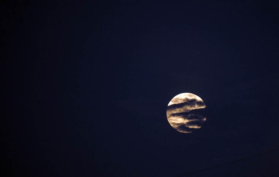 Mesec, mesec