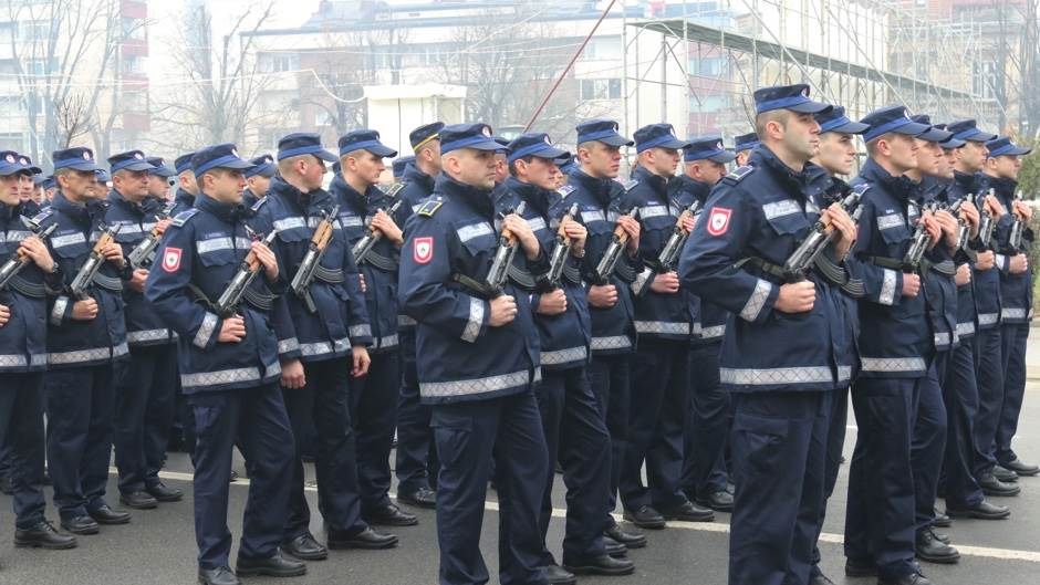 Svečani defile povodom Dana Republike (FOTO)