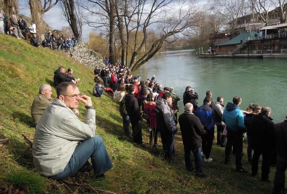 Mirko Ivanković prvi do krsta u Banjaluci (FOTO)