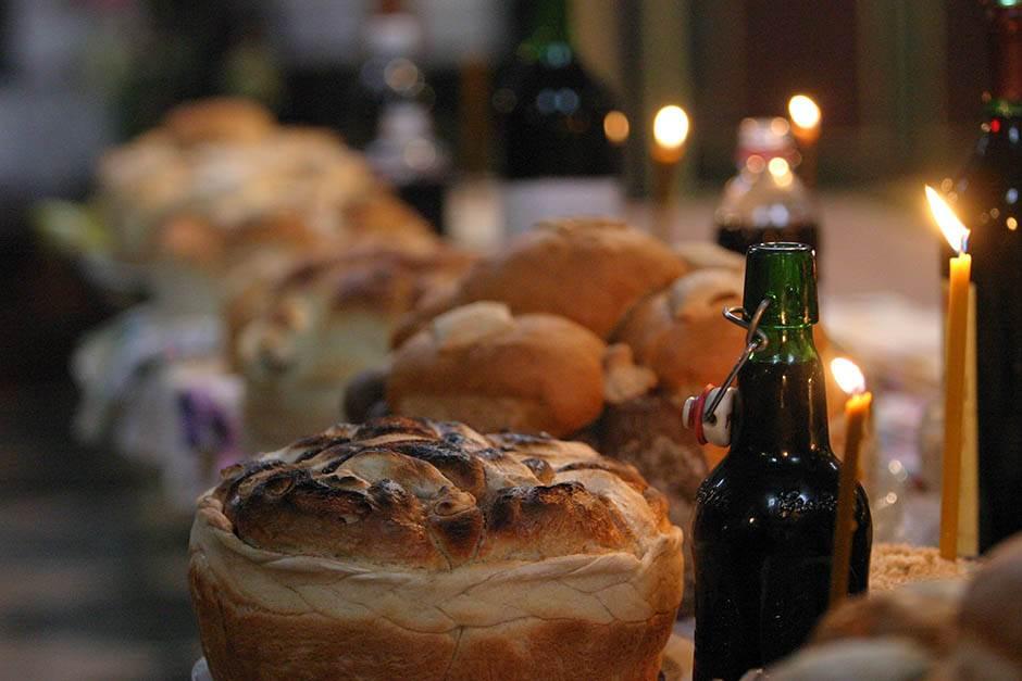 slava crkva kolač spc post sveća ručak slavski crkva