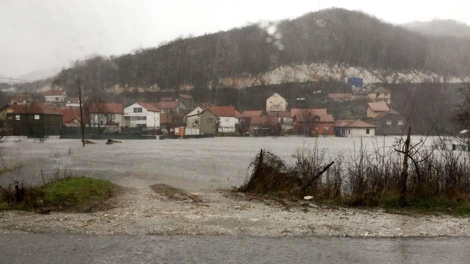 cetinje kiša poplava poplave