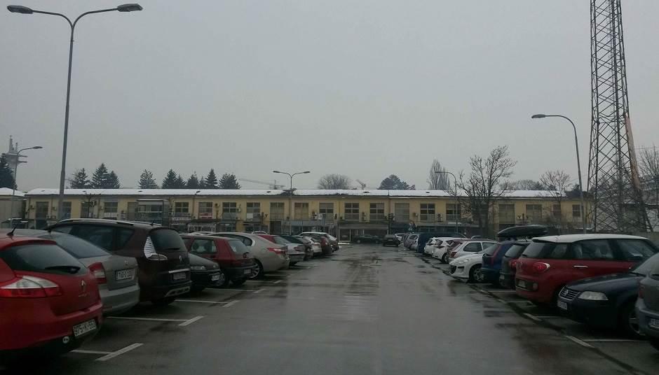 Zenit, parking