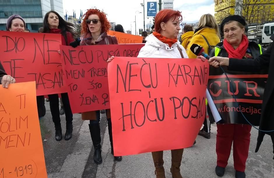 Grupa Banjalučanki marširala za rav(d)nopravnost