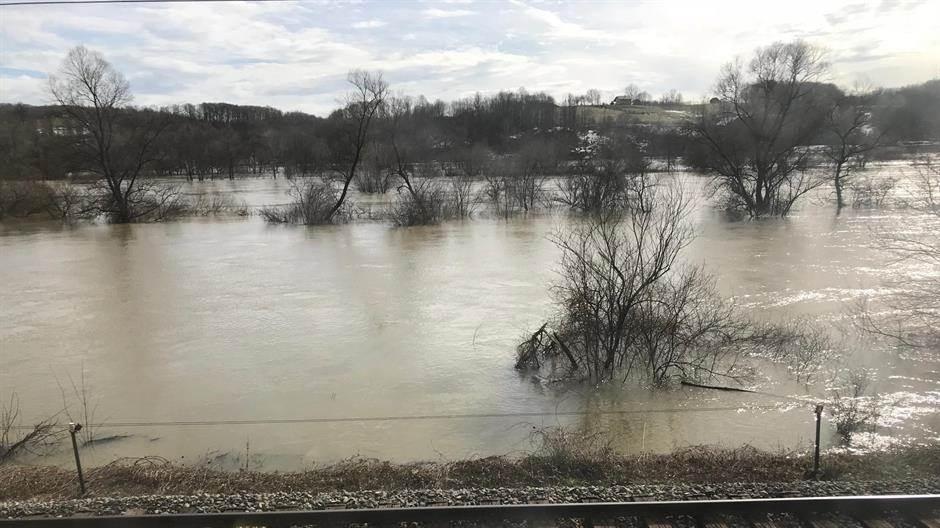 Sana, poplava, poplave, voda, mutno, pruga, rijeka