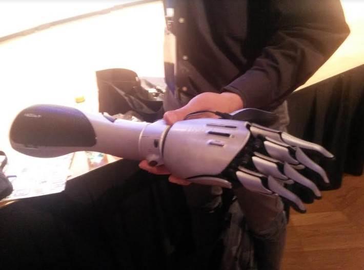 """Robotska ruka """"za svačiji džep"""" (VIDEO)"""