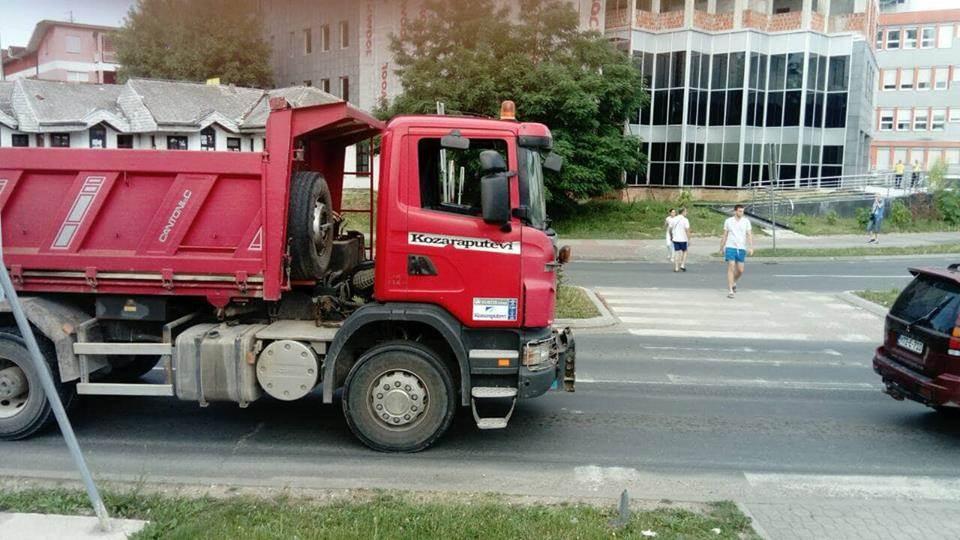 Vozila stala širom BiH: Smanjite cijene goriva!