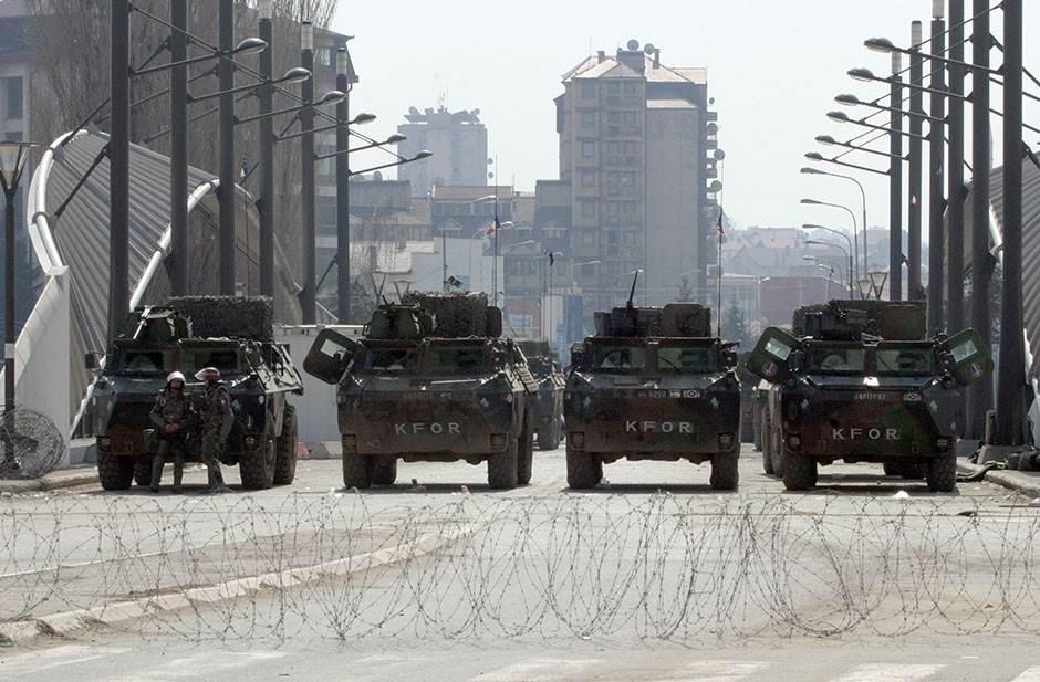 kfor, kosovo, međunarodne snage, mitrovica, kosovska mitrovica, most