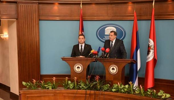 Milorad Dodik, Aleksandar Vulin