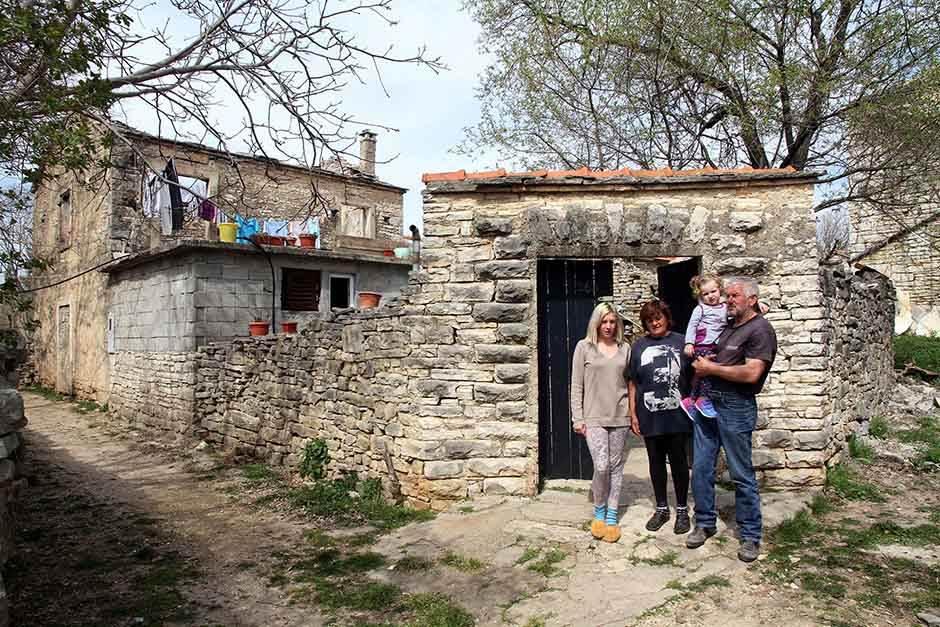 izbeglica, Živko Vojvodić, Benkovac, razrušena kuća