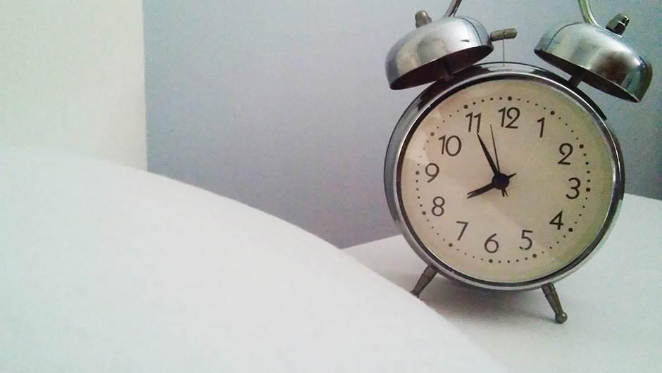 spavanje, buđenje, budilnik, sat, krevet