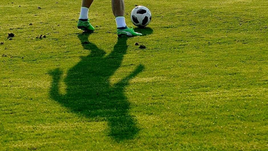 fudbal,fudbaler,fudbaleri,kopačke,teren,lopta
