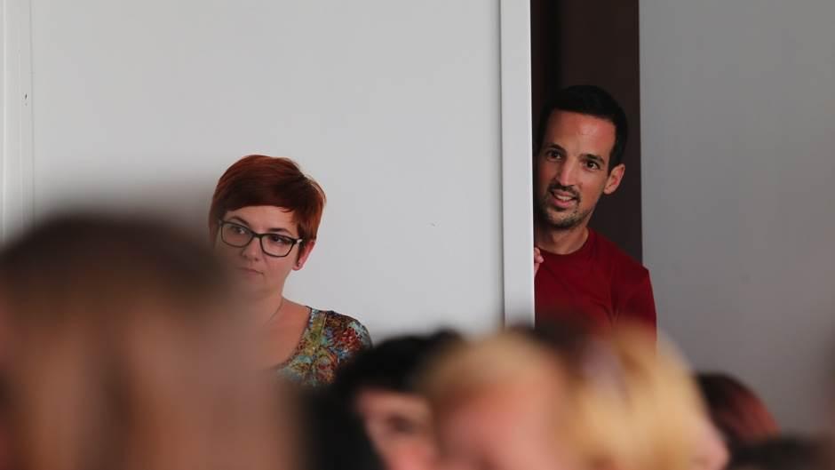 Priče okupile komšiluk (FOTO)