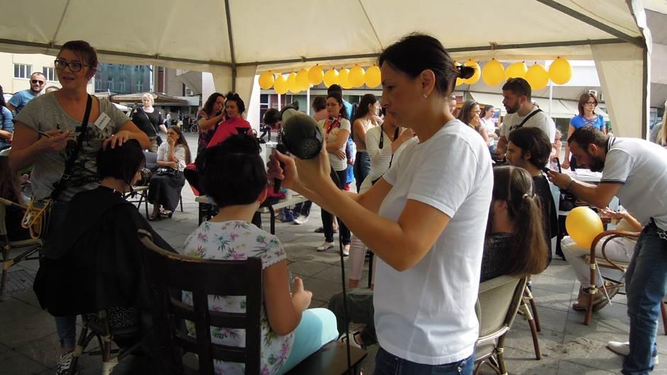 Humanost na djelu: Banjalučani doniraju kosu