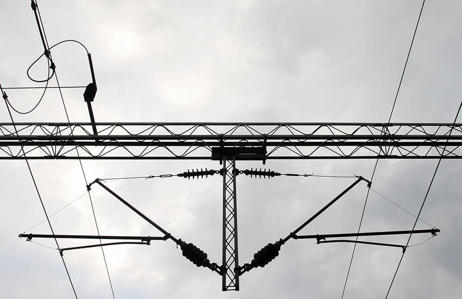 struja napon železnica žice udar smrt strujni