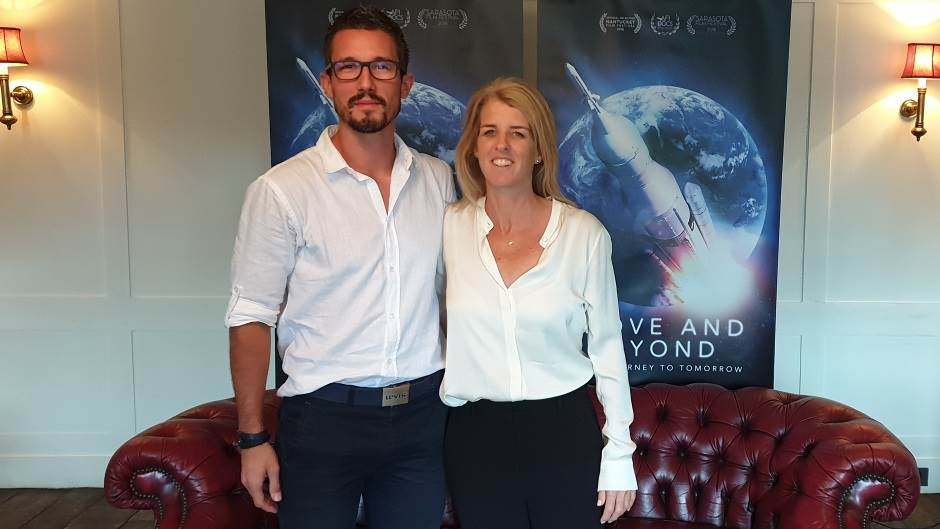 Novinar MONDO portala sa Rori Kenedi, autorkom dokumentarnog NASA filma.