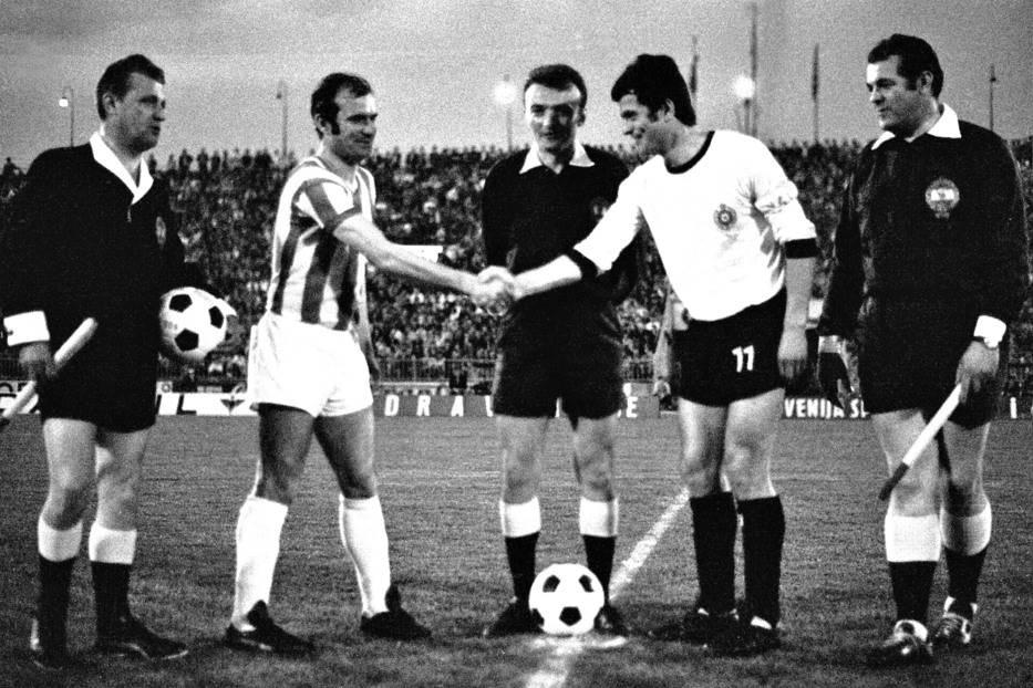 Kapiteni Crvene zvezde i Partizana Miroslav Pavlović i Nenad Bjeković (52. večiti derbi)