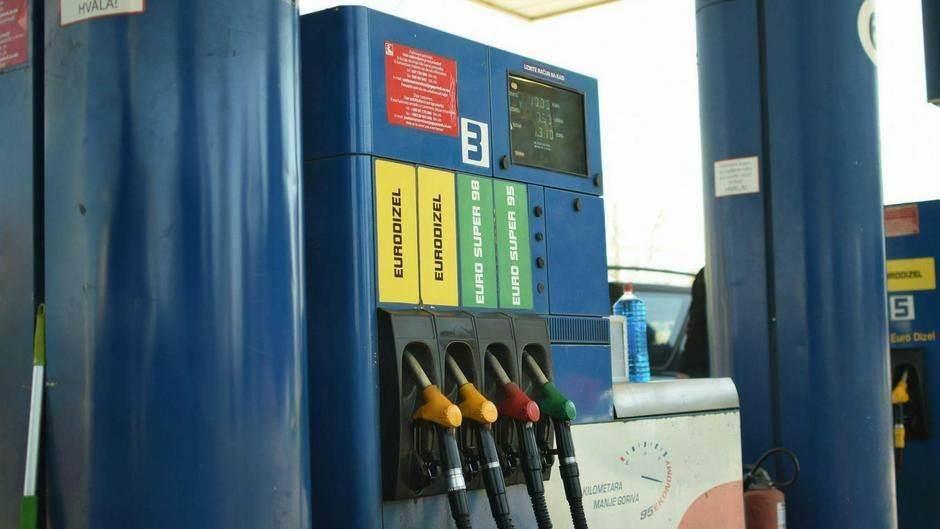 benzinska pumpa.jpg