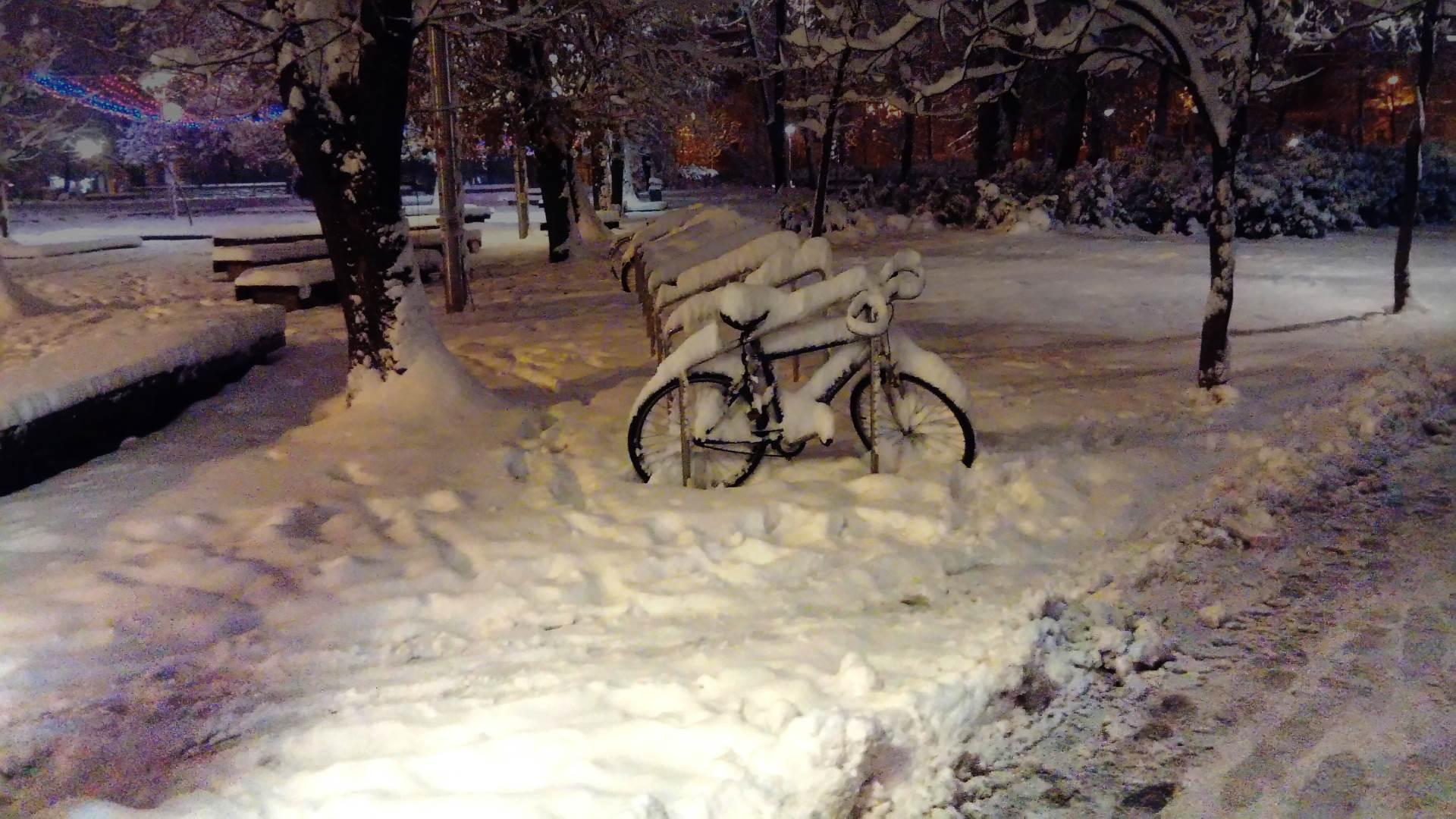 bicikl, snijeg, park