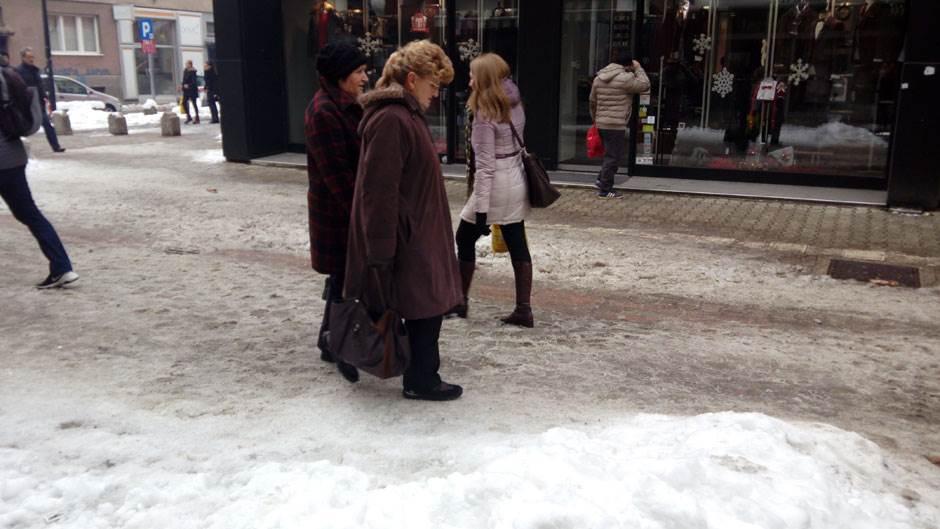Banjaluka, ulice, snijeg, led, trotoar