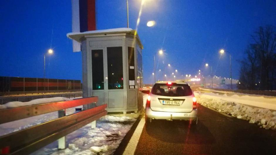 autoput, 9. januar, naplatna kućica, vožnja, snijeg