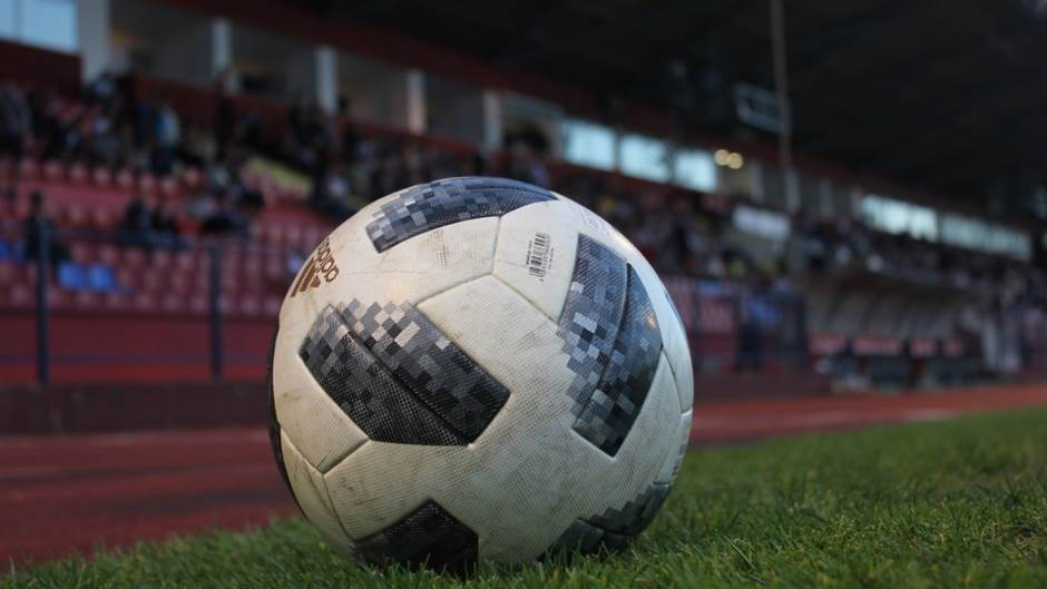 Gradski stadion, FK Borac, lopta, pokrivalica, fudbal