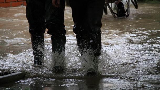 čizme, poplava