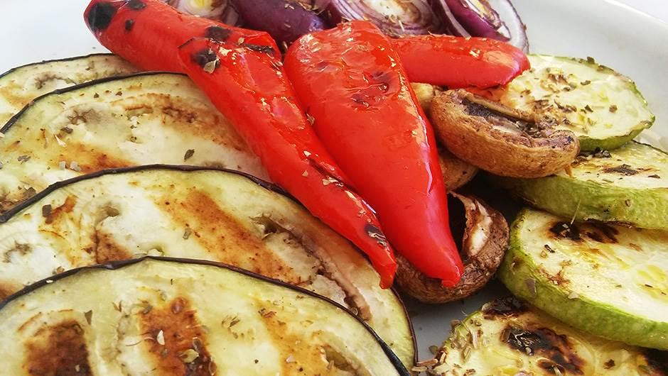 povrće, patlidžan, paprika, tikvice, pečurke, luk, grilovano