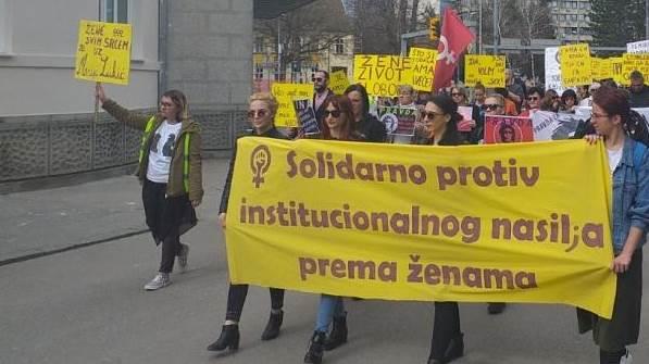 Osmomartovski marš žena